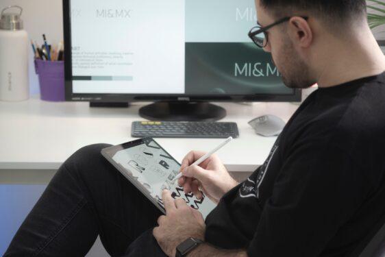 Trainee Graphic Designer and Audio-visual Content Assistant